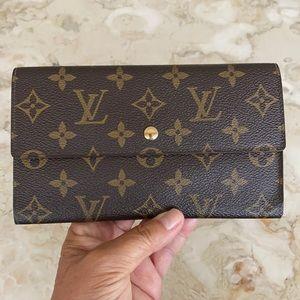 Louis Vuitton Porte Tresor Int'l Trifold Wallet